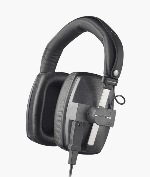 Beyerdynamic-DT150-headphone