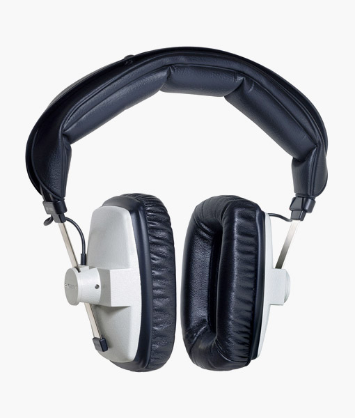 Beyerdynamic-DT100-headphone