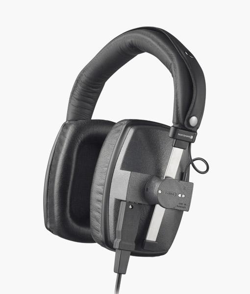Beyerdynamic-DT150-headphone